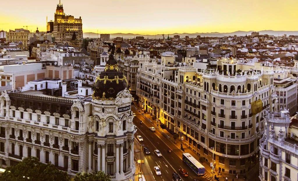 Encuentra dónde aparcar en Madrid, España