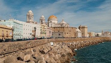 Encuentra dónde aparcar en Cádiz, España
