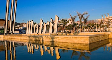 Find where to park in Motril, Spain