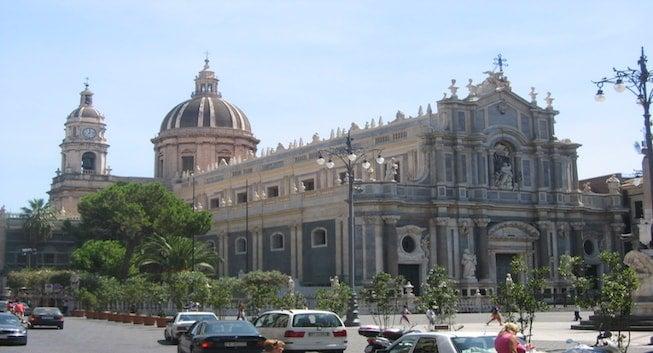 Encuentra dónde aparcar en Catania, Italia
