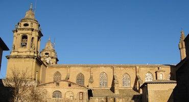 Encuentra dónde aparcar en Pamplona, España
