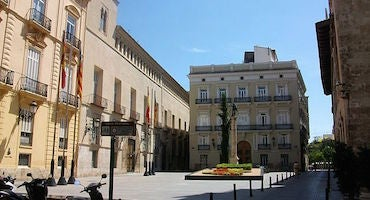 Find where to park in Manises, Spain
