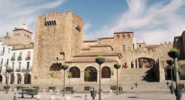 Encuentra dónde aparcar en Cáceres, España