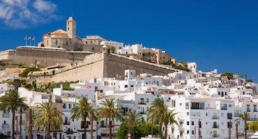 Encuentra dónde aparcar en Isla de Ibiza, España
