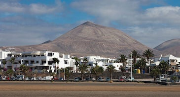 Find where to park in Island of Lanzarote, Spain