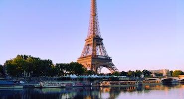 Encuentra dónde aparcar en París, Francia