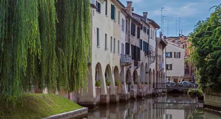 Encuentra dónde aparcar en Treviso, Italia