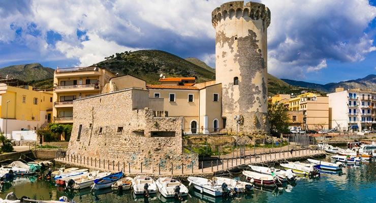 Encuentra dónde aparcar en Formia, Italia