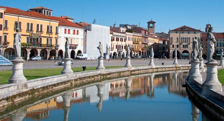 Encuentra dónde aparcar en Padua, Italia