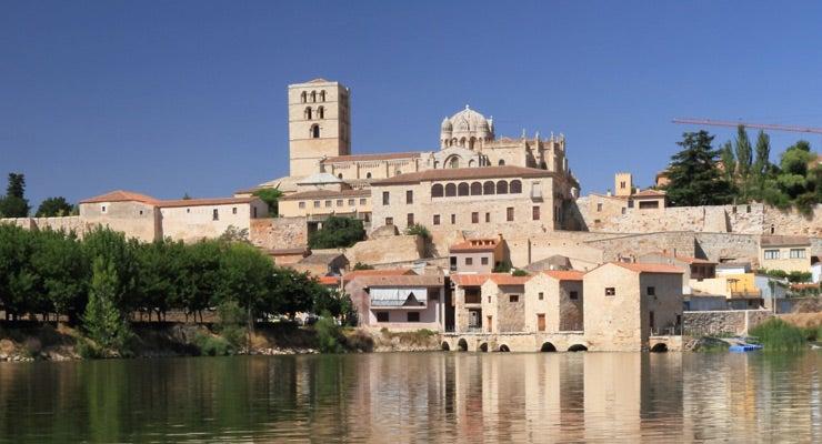 Find where to park in Zamora, Spain