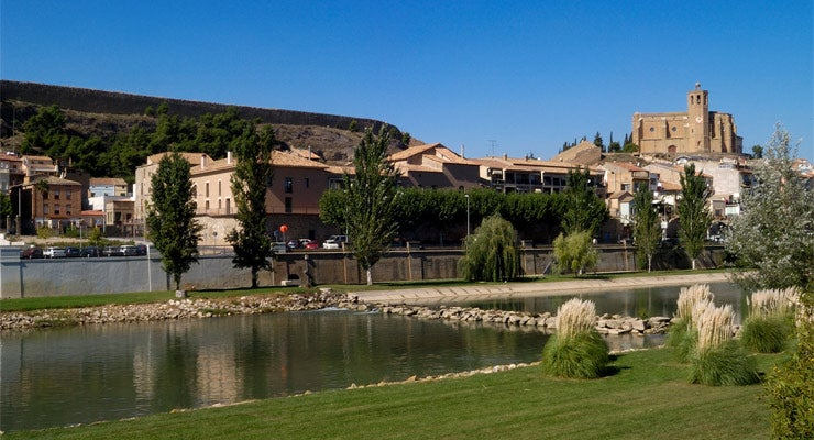 Find where to park in Lleida, Spain