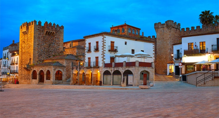 Find where to park in Cáceres, Spain