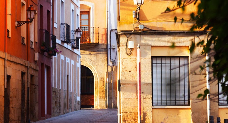 Find where to park in Logrono, Spain