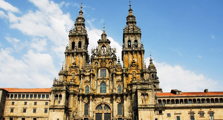 Find where to park in Santiago de Compostela, Spain