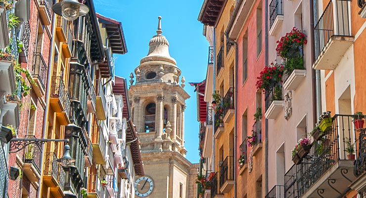 Find where to park in Pamplona, Spain