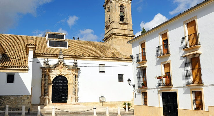 Find where to park in Cabra, Spain