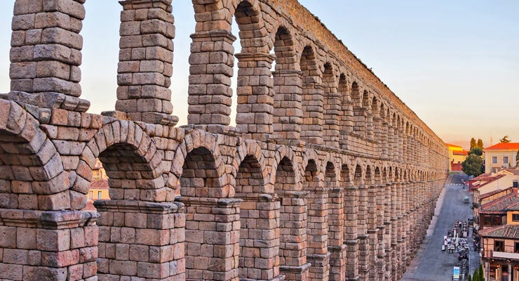 Find where to park in Segovia, Spain