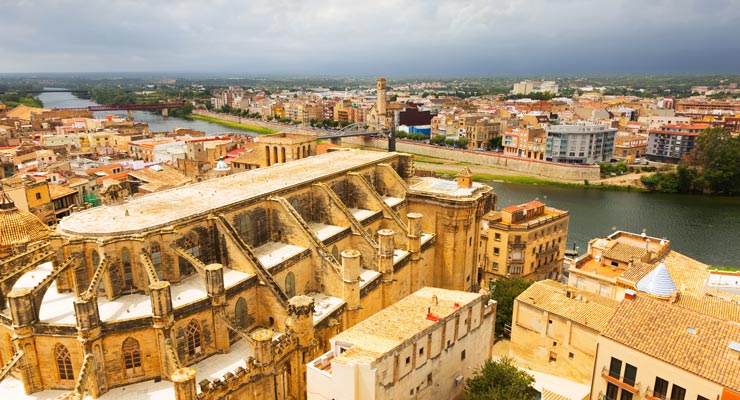 Find where to park in Tortosa, Spain