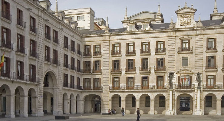 Find where to park in Santander, Spain