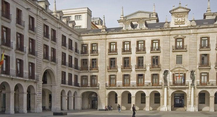 Trouvez un parking à Santander, Espagne
