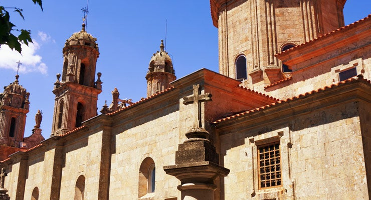 Find where to park in Ourense, Spain