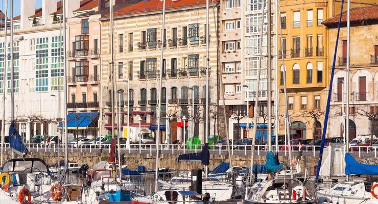 Find where to park in Gijón, Spain