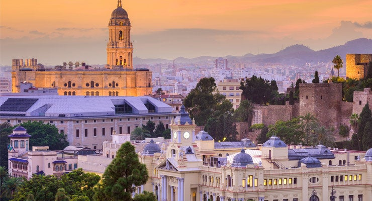 Find where to park in Malaga, Spain