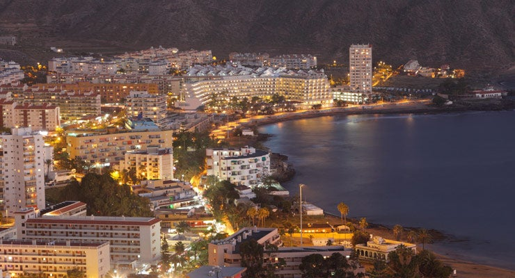 Find where to park in Los Cristianos, Spain