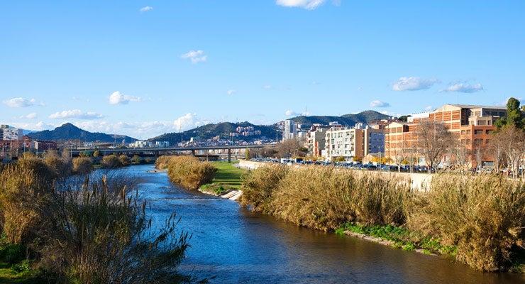 Trouvez un parking à Santa Coloma de Gramenet, Espagne