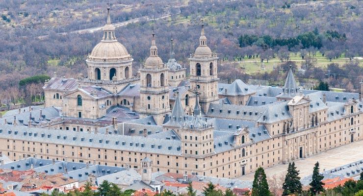 Find where to park in San Lorenzo de El Escorial, Spain