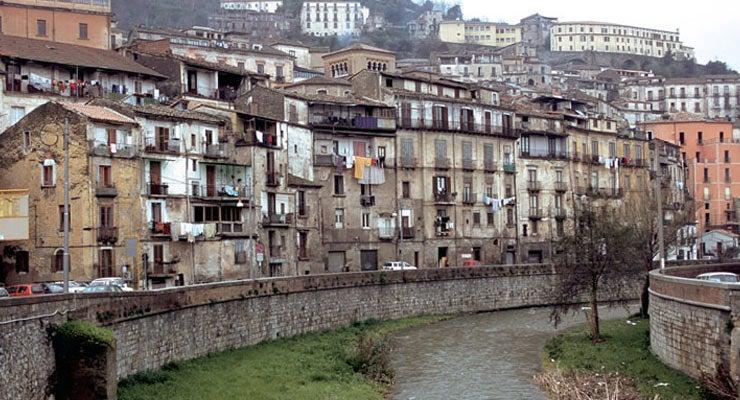 Encuentra dónde aparcar en Cosenza, Italia