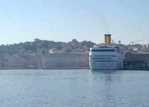 Nave nel Porto di Trieste