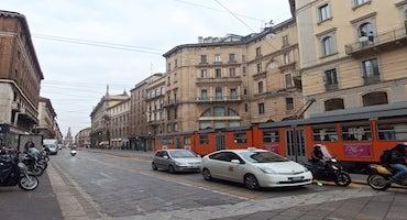 Parcheggi vicino a Via Orefici - Milano in Parclick