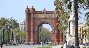 Book your parking space near the Arco del Triunfo in Barcelona in Parclick