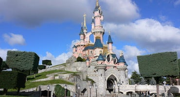 Car parks close to Disneyland Paris in Parclick