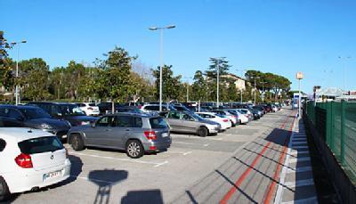 Aéroport de Nice Côte d'Azur Terminal 1 - P4 - Longue durée