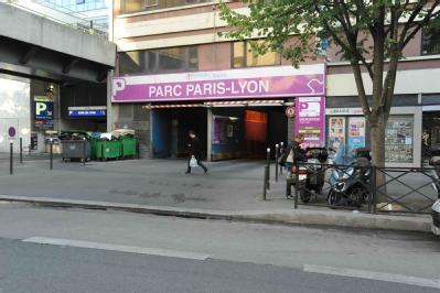 car park in 193 rue de bercy in paris parclick. Black Bedroom Furniture Sets. Home Design Ideas