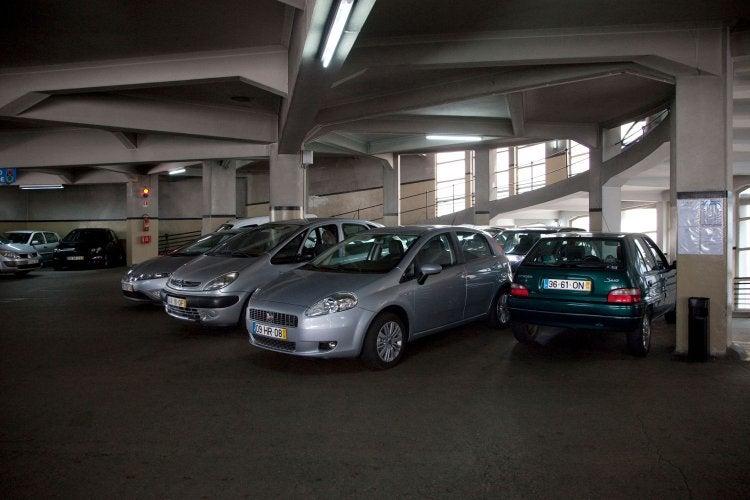 SABA Garagem Comércio do Porto