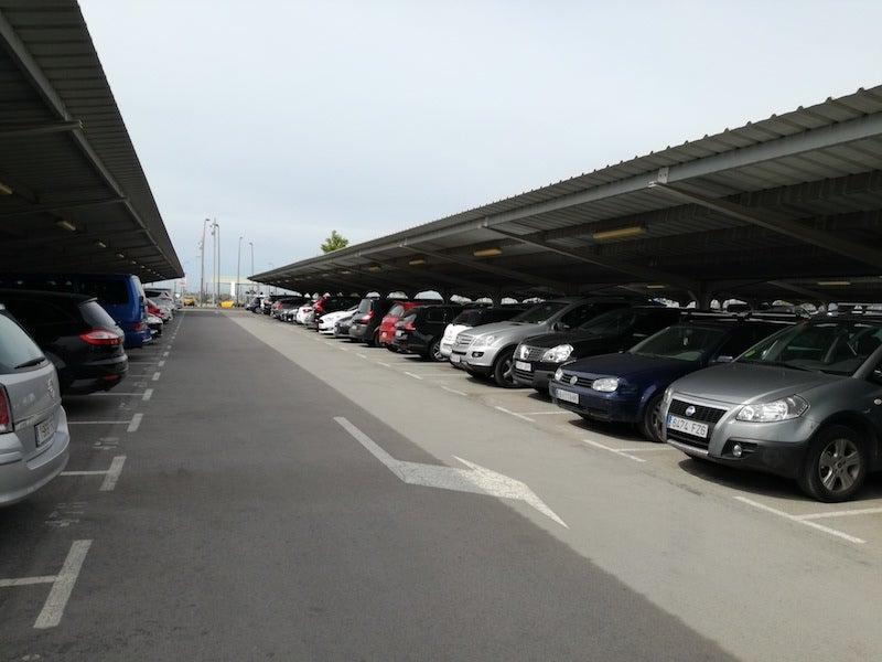 parking aeropuerto de barcelona el prat autov a b 22 salida 5 indicaciones parking larga. Black Bedroom Furniture Sets. Home Design Ideas