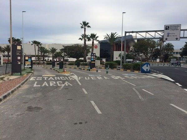 AENA Aeropuerto de Alicante-Elche - Larga Estancia PL