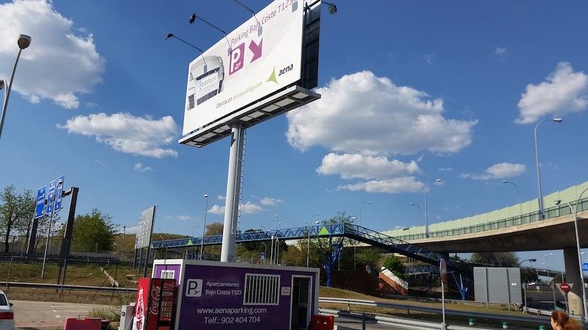 AENA Aeropuerto de Madrid-Barajas - Bajo Coste T1-T2-T3