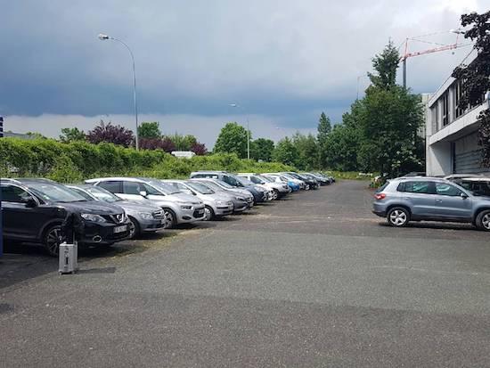 Parking rue des pr s boucher 16 flypark a roport roissy for Parking exterieur