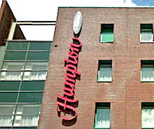 VALET PARKING - Hotel Hampton by Hilton Amsterdam Centre East