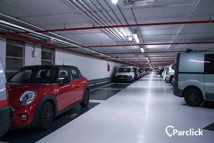 car park in av de francesc camb 10 in barcelona parclick. Black Bedroom Furniture Sets. Home Design Ideas