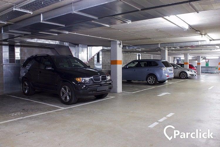 parking parking carrer de casanova 127 mercat del ninot. Black Bedroom Furniture Sets. Home Design Ideas