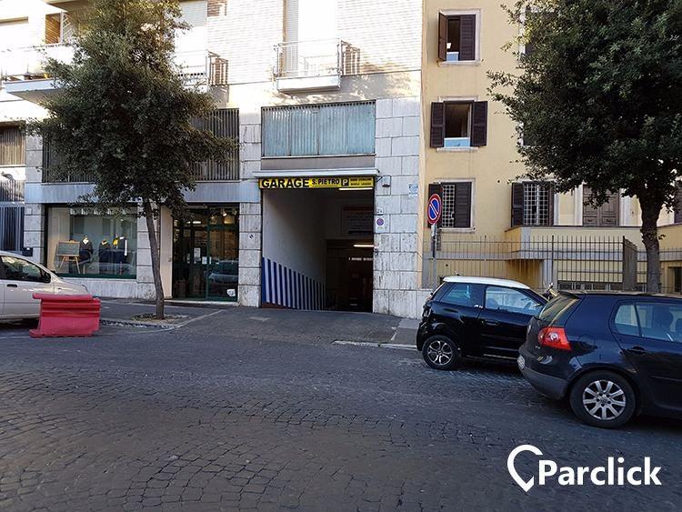 Car Park In Piazza Di Santa Maria Alle Fornaci 26 In Roma
